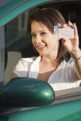 Кому з водіїв доведеться терміново отримати права нового зразка