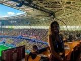 Журналист схватил за грудь в прямом эфире на чемпионате мира