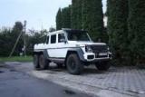 У Луцьку помітили рідкісний шестиколісний Mercedes Brabus