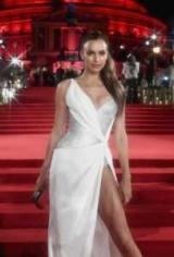 Ирина Шейк затмила всех на Премии, Награды мода 2017
