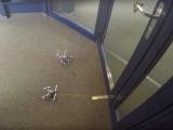 Мини-дроны научились проникать в дома