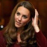 Кейт Міддлтон вийшла з декрету: нова зачіска і незвичайний стиль в одязі